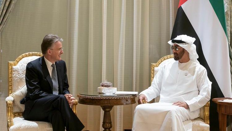 """محمد بن زايد يستقبل الرئيس التنفيذي لمجموعة """"HSBC"""" المالية البريطانية"""