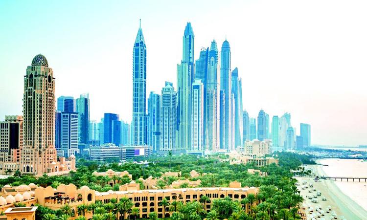 الإمارات تحقق فائضاً في ميزانية 2019