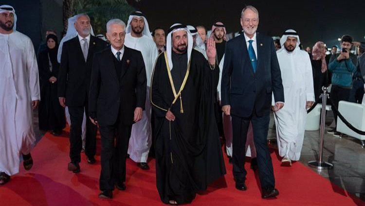"""سلطان القاسمي يشهد حفل رابطة خريجي """"أميركية الشارقة"""""""