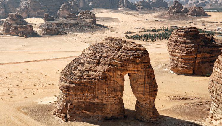 «العلا» السعودية.. عروس الجبال ترنو بثقة إلى المستقبل