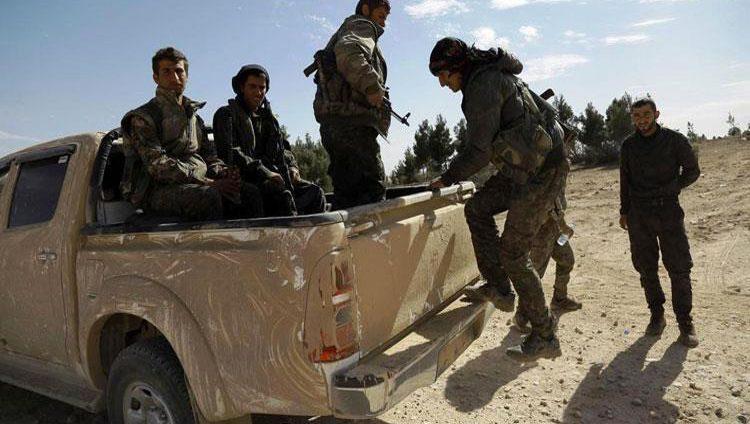 """""""قسد"""" تسيطر على آخر معقل لـ""""داعش"""" شرقي الفرات"""