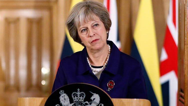 """البرلمان البريطاني يطالب ماي بالتخلي عن منصبها مقابل إنقاذ """"بريكست"""""""