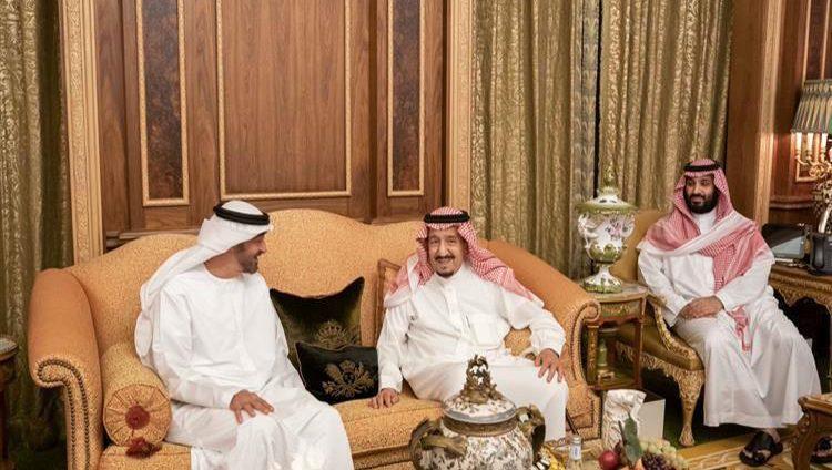 خادم الحرمين ومحمد بن زايد يبحثان العلاقات الأخوية وتطورات الأحداث في المنطقة