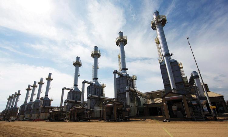 خبراء: الاستثمارات والتكنـولوجيا عاملان مؤثران في رسم ملامح مسـتقبل النفط