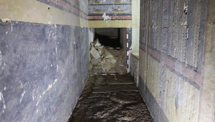 اكتشاف مقبرة تعود إلى نحو 5 آلاف سنة قرب القاهرة