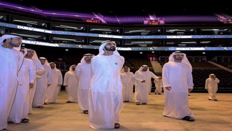 """محمد بن راشد يزور """"دبي أرينا"""" ويطلع على مكونات الصالة المغطاة الأولى من نوعها في المنطقة"""