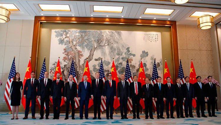 """وزير الخزانة الأميركي: عقدنا محادثات تجارية """"مثمرة"""" مع الصين"""