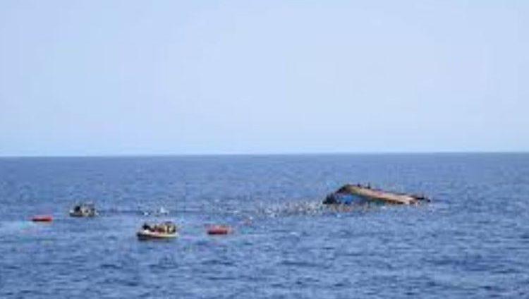 غرق 70 مهاجراً قبالة سواحل تونس وإنقاذ 16