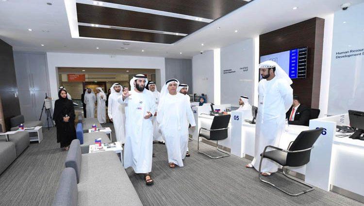 """الطاير يدشن مركز خدمة المتعاملين والموظفين في المبنى الرئيس لـ """"طرق دبي"""""""