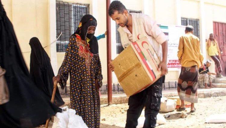 الإمارات تقدم مساعدات غذائية لـ 1500 أسرة في الضالع