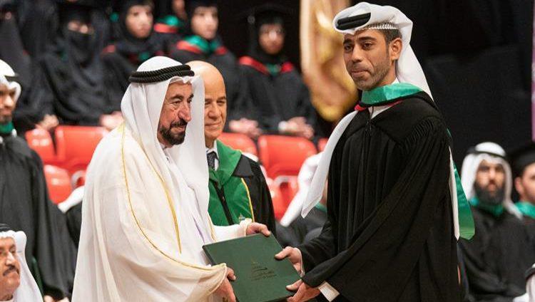 سلطان القاسمي يشهد حفل تخريج طلبة الدراسات العليا في جامعة الشارقة