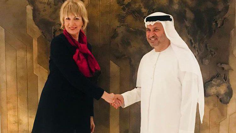 قرقاش يبحث تعزيز التعاون مع الأمينة العام لهيئة العمل الخارجي الأوروبي