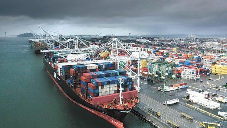 أميركا تفرض رسوماً جمركية جديدة على المكسيك والصين