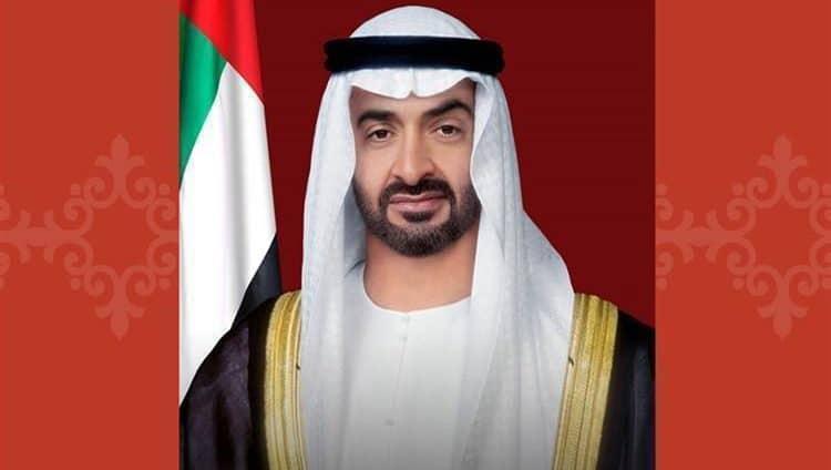 محمد بن زايد والحكام يؤدون صلاة العيد ويستقبلون المهنئين