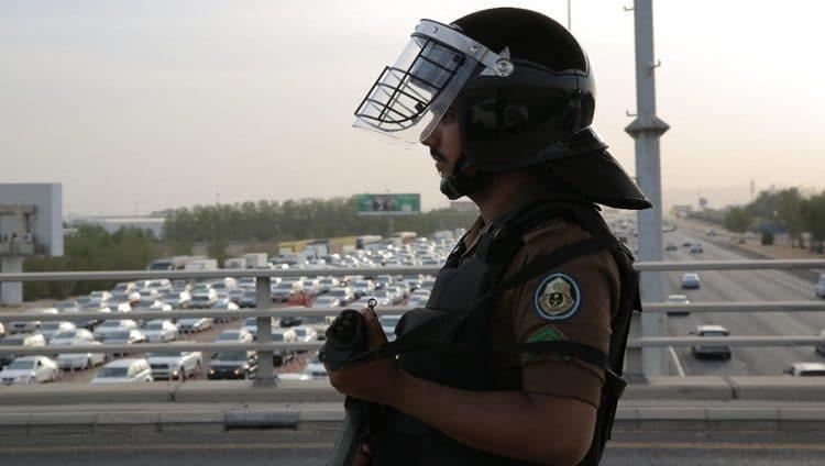 أمن الحج يعيد 9915 شخصًا لايحملون تصاريح