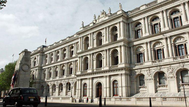 بريطانيا: الهجوم على منشآت نفطية سعودية استفزازي وغير مقبول نهائيا
