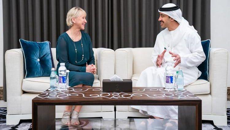 عبدالله بن زايد يبحث أوضاع المنطقة مع وزيرة خارجية السويد