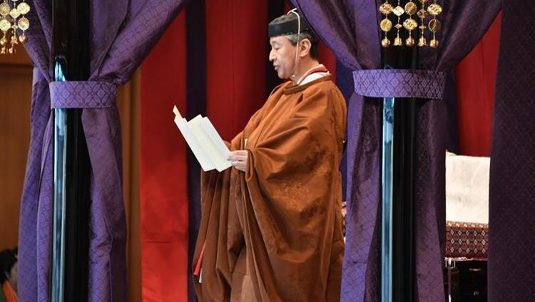 محمد بن زايد يهنئ ناروهيتو بمناسبة تنصيبه إمبراطوراً لليابان
