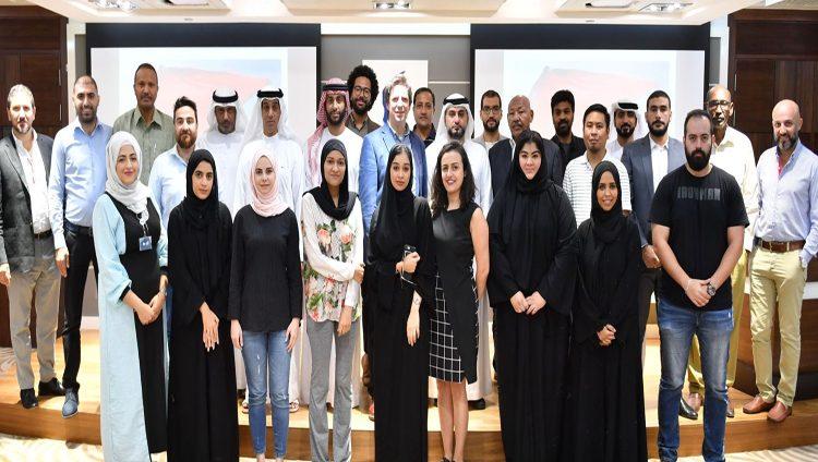"""نادي دبي للصحافة ورويترز ينظمان جلسة تحت عنوان """"قوة الصورة الصحافية"""""""