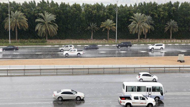 خفض السرعة على طريق أبوظبي _دبي لـ 80 كلم
