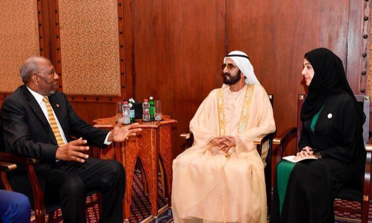 محمد بن راشد يستقبل رئيسي وزراء موزمبيق وأوغندا