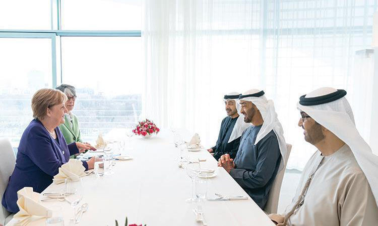 محمد بن زايد: الإمارات تدعم جهود التسوية السياسية في ليبيا