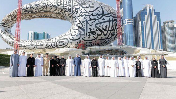 حمدان بن محمد يعتمد استراتيجية مؤسسة دبي للمستقبل لـ 3 سنوات