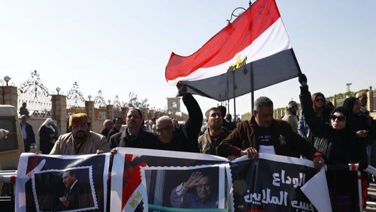 مصر تنظم جنازة عسكرية للرئيس الأسبق مبارك