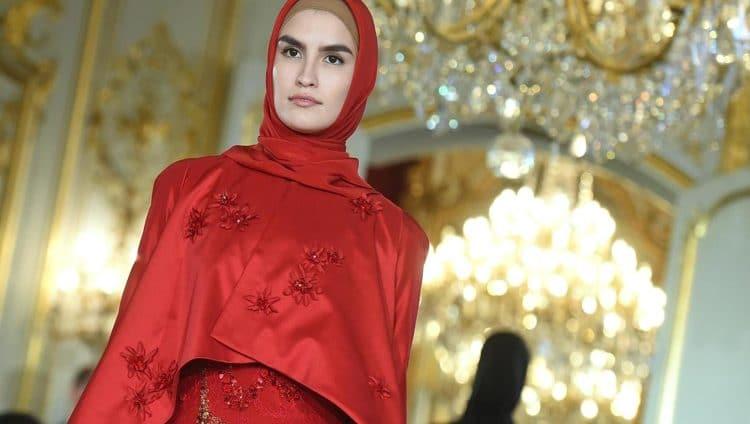 ابنة الرئيس الشيشاني عارضة أزياء في باريس