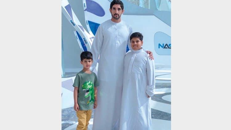 حمدان بن محمد يحقق أمنية طفل هندي مصاب بالسرطان