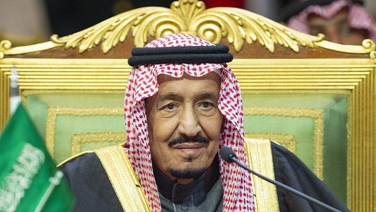 الملك سلمان يأمر بمنع الدخول والخروج من الرياض ومكة والمدينة
