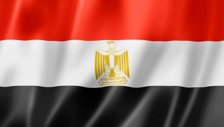 """مصر تقرر إغلاق المساجد والكنائس والمتاحف وتأجيل امتحانات الفصل الدراسي الثاني للجامعات لمواجهه """"كورونا"""""""