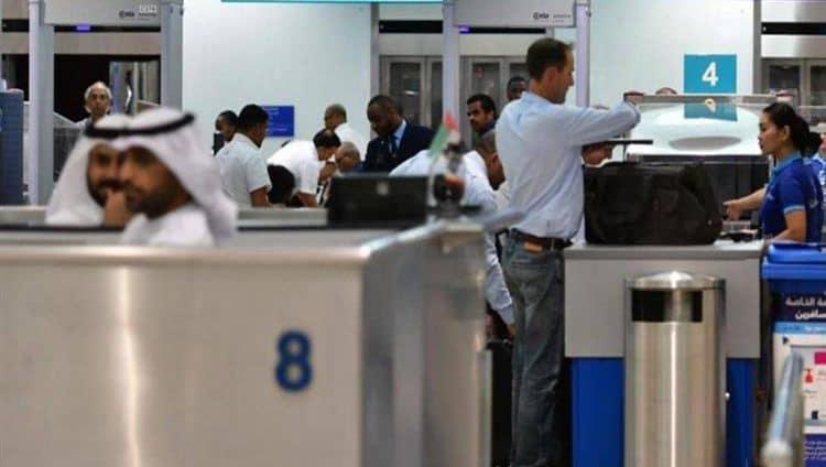 الإمارات توقف «مؤقتاً» التأشيرات بسبب «كورونا»