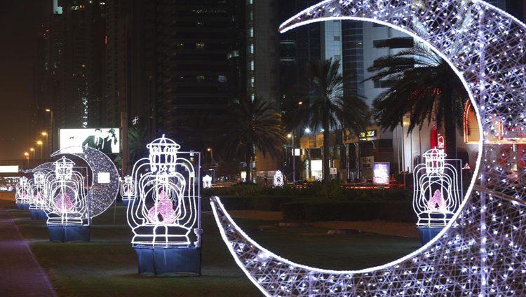 دبي تستقبل شهر رمضان بمبادرات متنوعة تجسد معاني العطاء