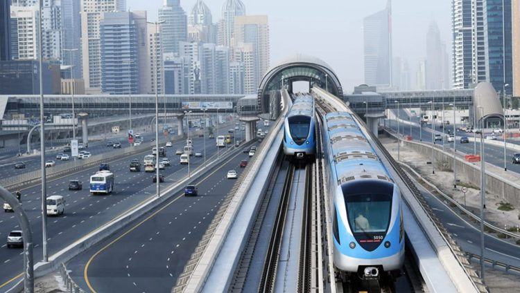 مترو دبي يستأنف رحلاته غداً