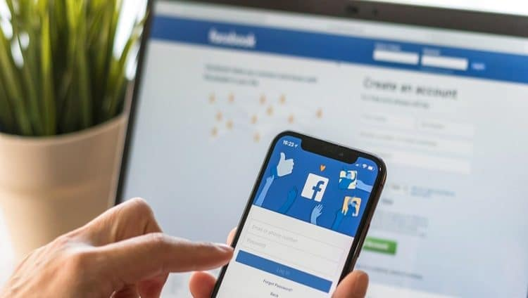"""""""فيسبوك"""" تضيف خاصية جديدة للحد من استخدام شبكة التواصل الاجتماعي"""