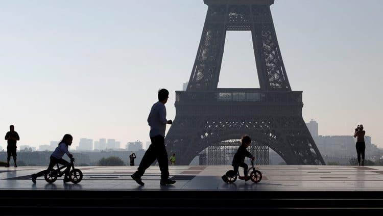 فرنسا تسجل 242 وفاة جديدة بكورونا في 24 ساعة