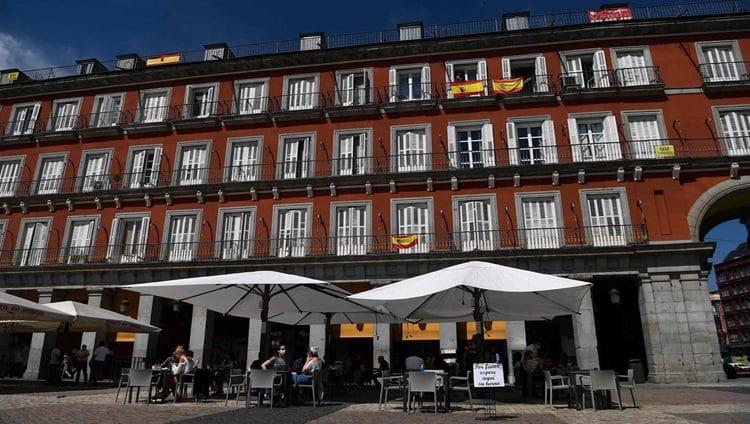 إسبانيا تنهي الحجر الصحي للسائحين اعتباراً من يوليو