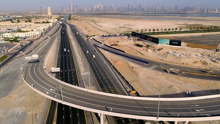 """""""طرق دبي"""" تفتتح الجسر المؤدي للمدخل الغربي لـخور دبي بطول 740 متراً"""