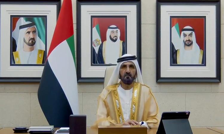 محمد بن راشد لخريجي جامعة الإمارات: بلادنا عظيمة فِي عطائها