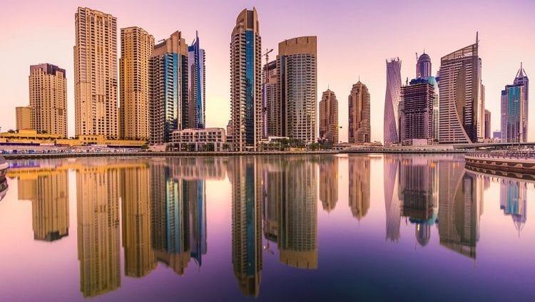 دبي تتفرد بخصوصية نموذجها كمنصة إقليمية وعالمية للتجارة الخارجية والأعمال