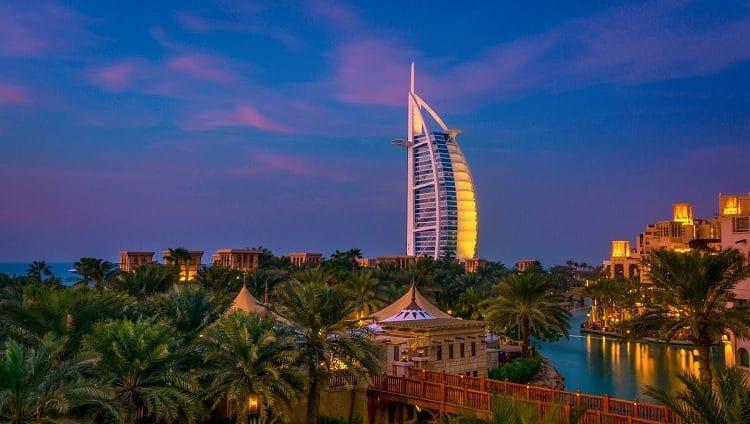 وكالة: دبي تعود إلى موقعها الاعتيادي على خريطة السياحة العالمية