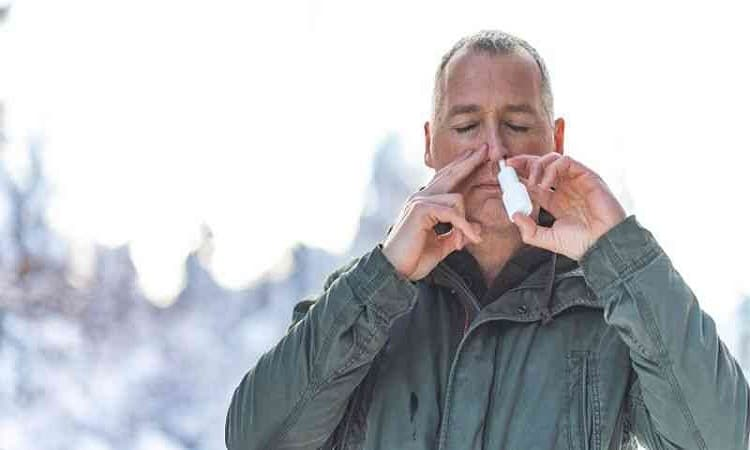 علماء يبتكرون بخاخ أنف للوقاية من كورونا بدل الكمامة