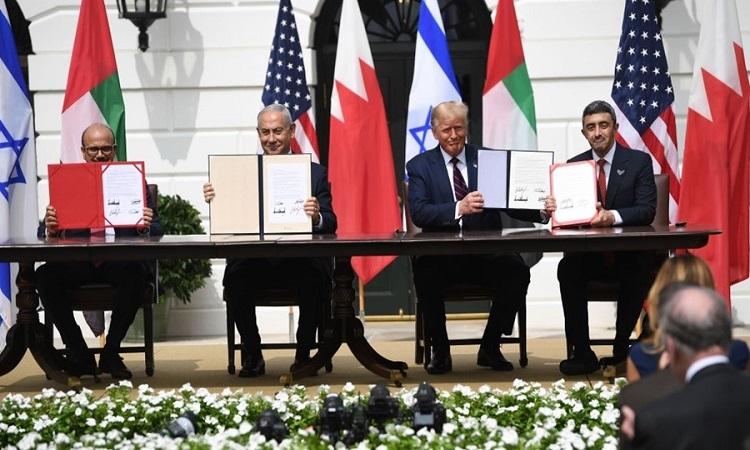 الإمارات توقع معاهدة السلام التاريخية مع إسرائيل