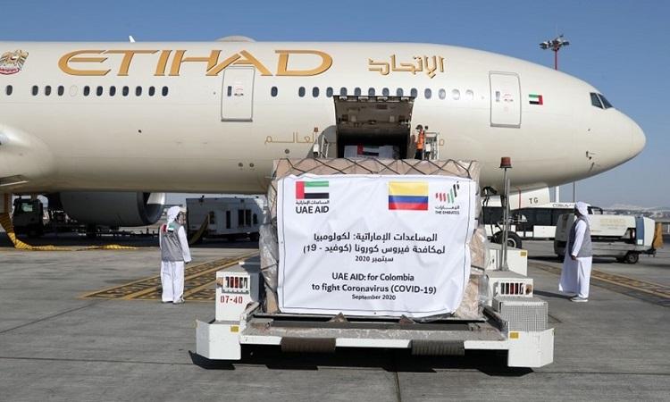 الإمارات ترسل طائرة مساعدات طبية خامسة إلى كولومبيا لدعم جهود مكافحة كورونا