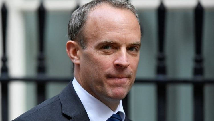 وزير الخارجية البريطاني: لا نستبعد فرض إجراءات إغلاق جديدة