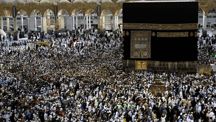 السعودية تشكل لجنة لاستئناف العمرة