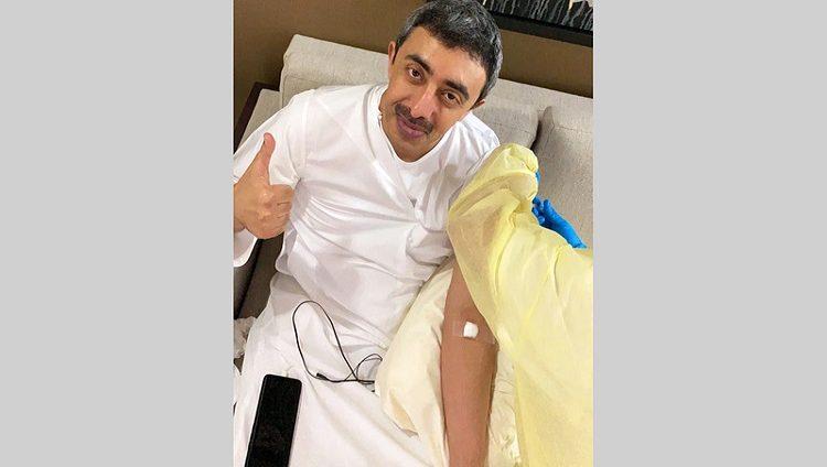 عبدالله بن زايد: التطعيم ضد «كورونا» طريقنا للحياة الطبيعية