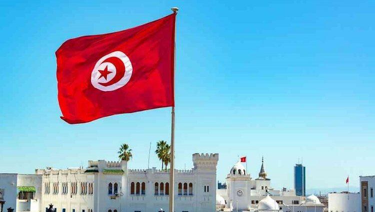 تونس تفرض حظر تجول اعتبارا من الثلاثاء