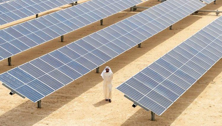 محمد بن راشد يتفقد المرحلة الرابعة من مجمع محمد بن راشد للطاقة الشمسية